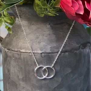 Jewelry - Double Circle Necklace NEW